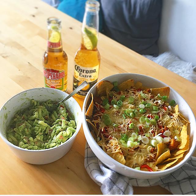 Nachos met draadjeskip en guacamole: de allerbeste Mexicaanse nachos uit de oven met zelfgemaakte guac. Must-try!