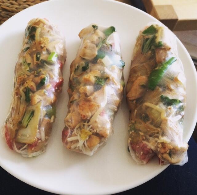 Spring rolls: echte vietnamese rolletjes van rijstpapier. Te vullen met allerlei lekkers!