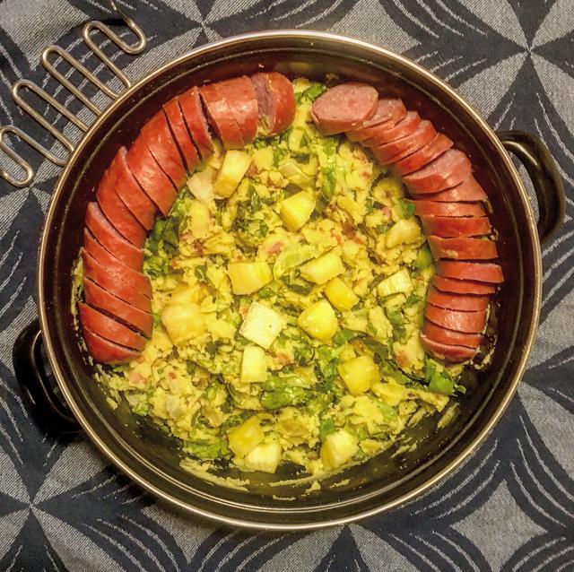 Tropische stamppot andijvie: gek op stamppot andijvie? Probeer deze tropische variant met kerrie en verse ananas!