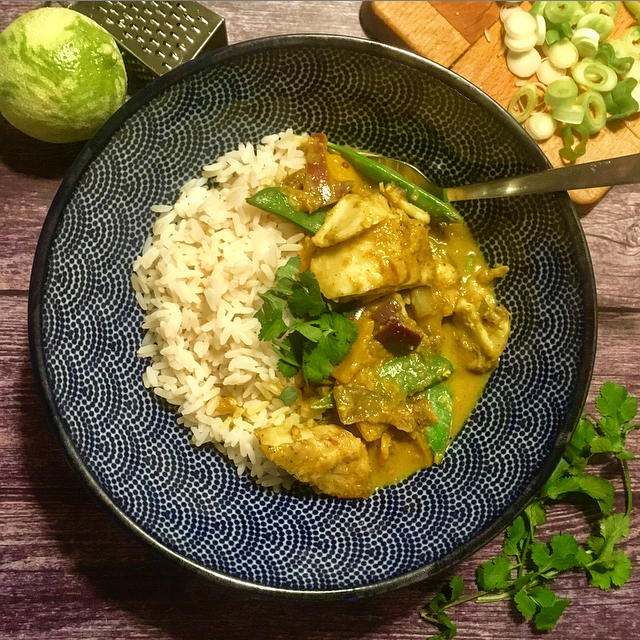 Gele curry met kabeljauw: maak je eigen gele currypasta en ontdek hoe lekker een zelfgemaakte viscurry kan zijn!